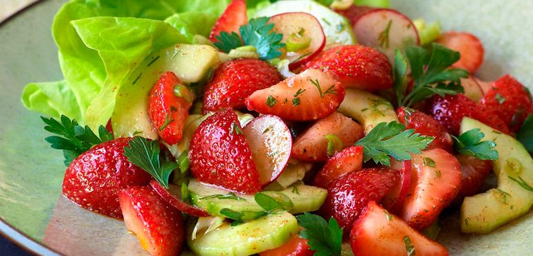 Brain Boosting Foods Recipes - Strawberry and Cucumber Salad